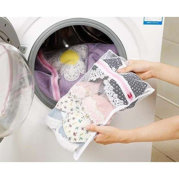 Kantong Jaring Cuci Pakaian Mesin Cuci - Laundry Zipper Net Bag Photo
