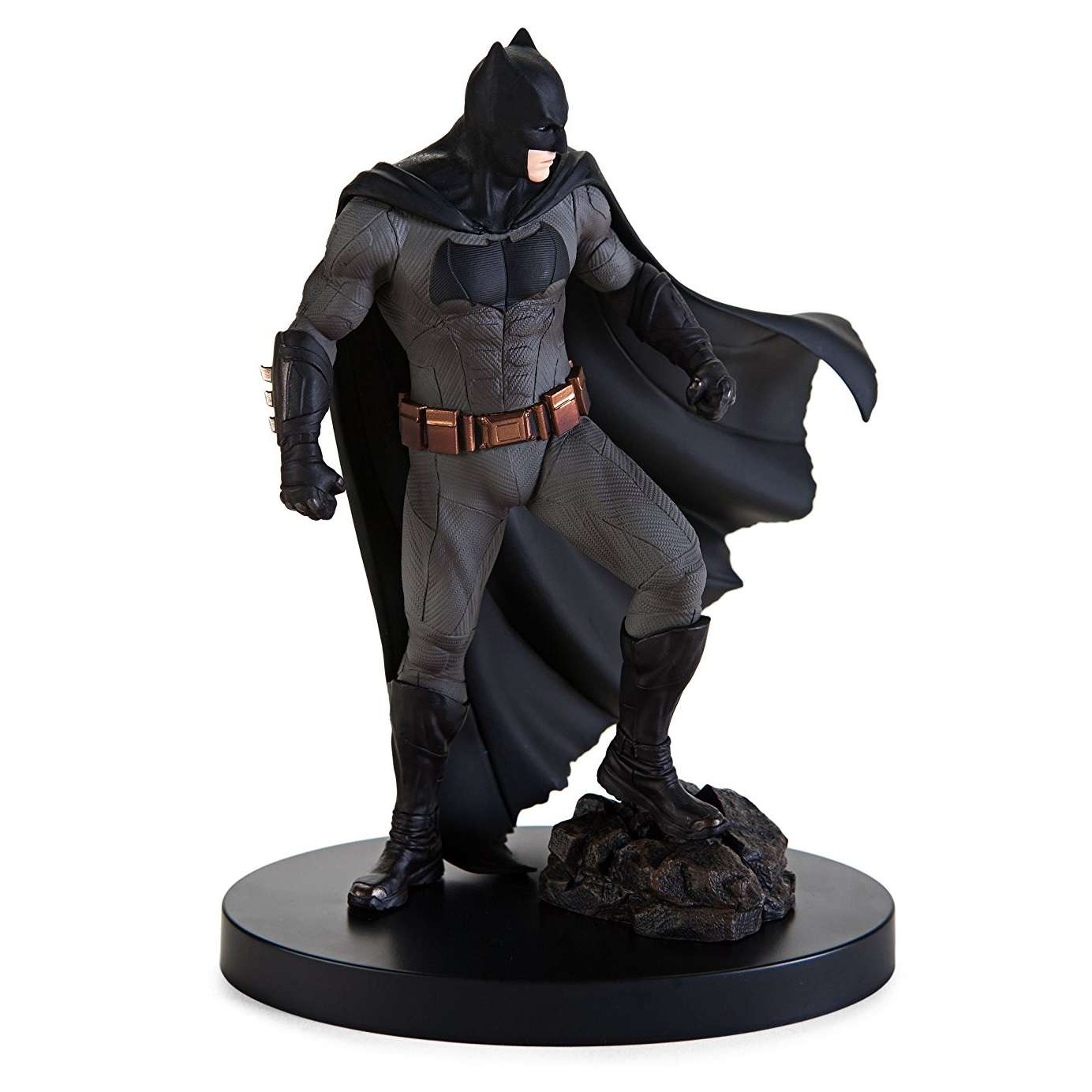 Statue: Justice League - Batman Photo