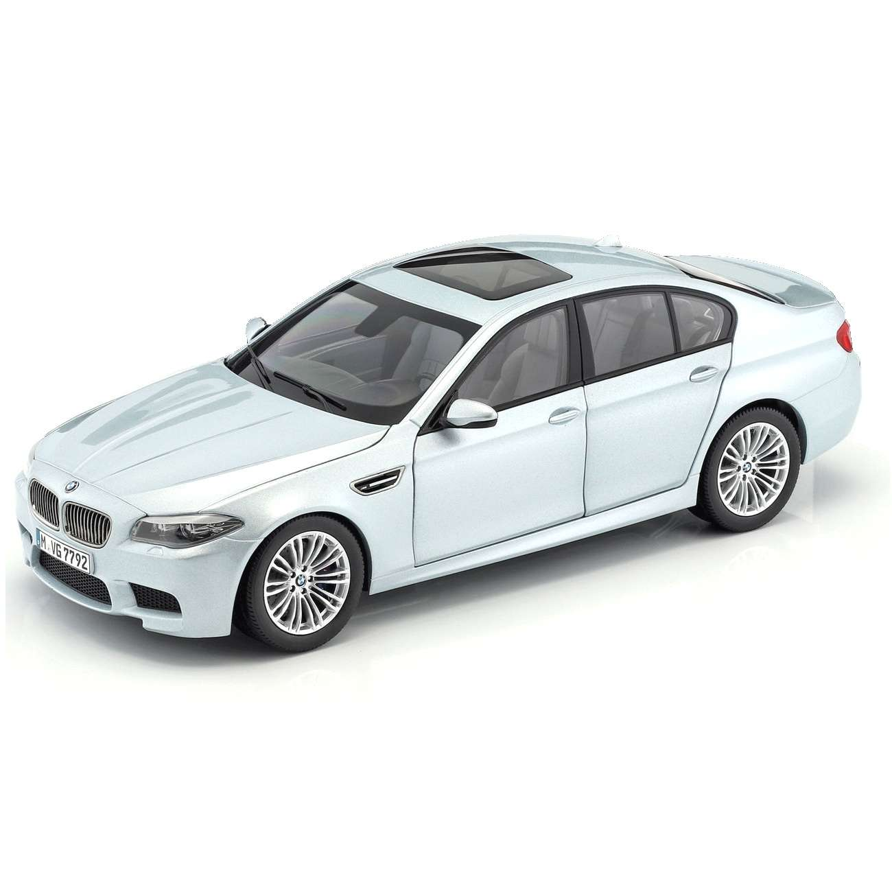 Diecast Car 1/18: Street Cars - BMW M5 V8 BiTurbo F10 Silverstone II, 2011 Photo