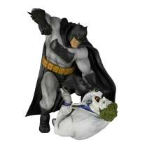 ArtFX+ Statue: The Dark Knight Returns - Batman Vs Joker Photo