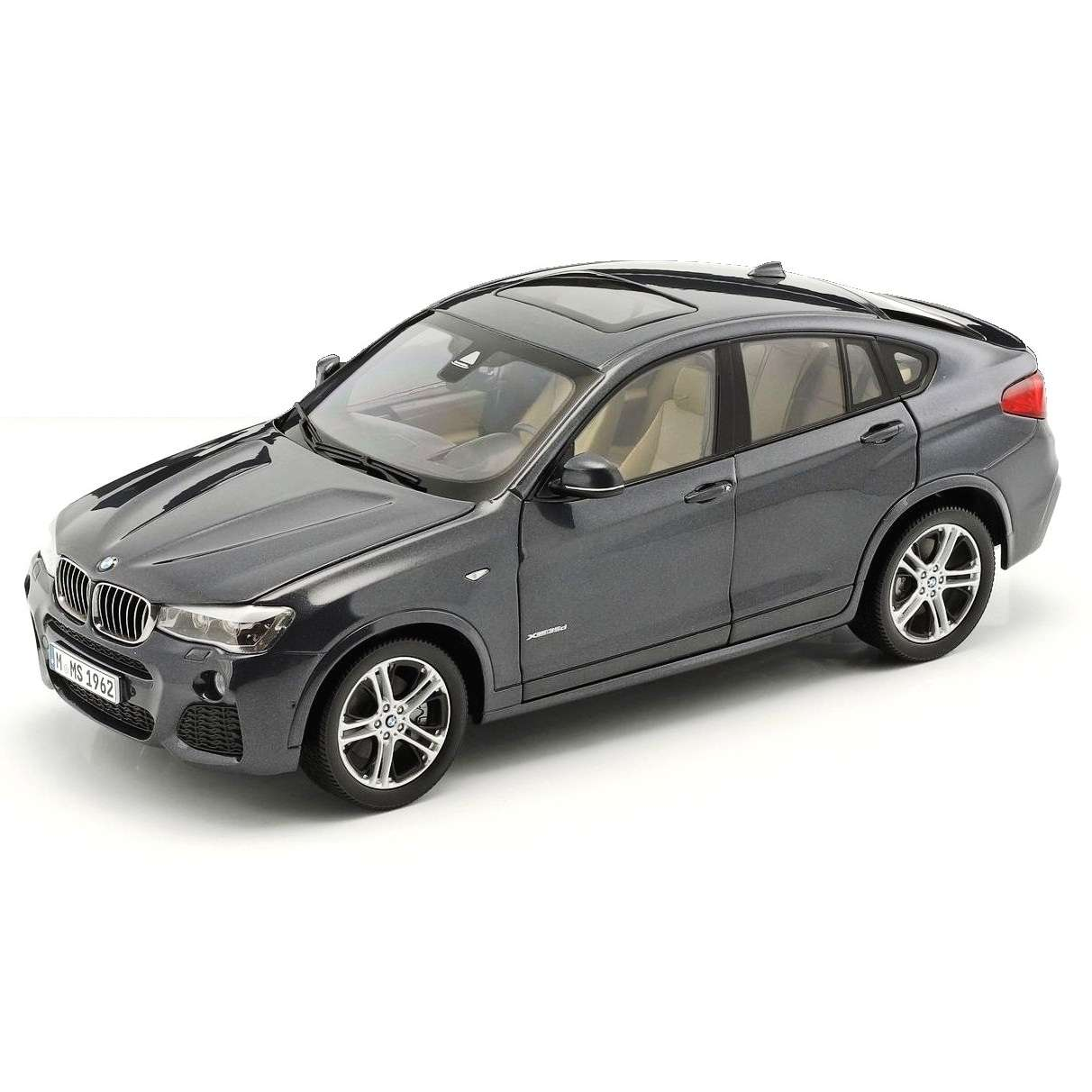 Diecast Car 1/18: Street Cars - BMW X4 XDrive 3.5d F26, 2014 Photo
