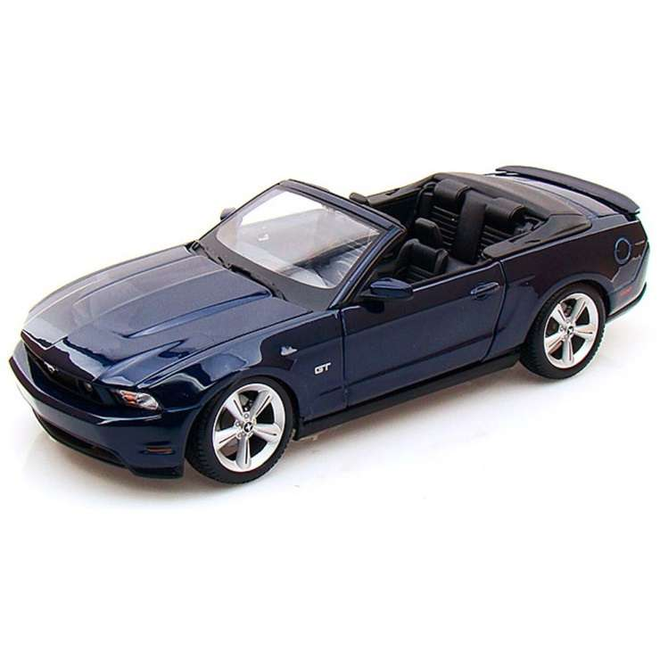 Diecast Car 1/18: Street Cars - Ford Mustang GT Convertible, 2010 Photo